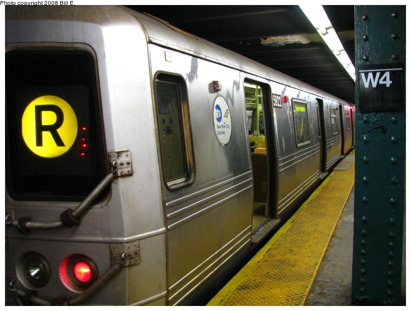 (130k, 820x620)<br><b>Country:</b> United States<br><b>City:</b> New York<br><b>System:</b> New York City Transit<br><b>Line:</b> IND 6th Avenue Line<br><b>Location:</b> West 4th Street/Washington Square <br><b>Route:</b> R reroute<br><b>Car:</b> R-46 (Pullman-Standard, 1974-75) 5922 <br><b>Photo by:</b> Bill E.<br><b>Date:</b> 11/22/2008<br><b>Viewed (this week/total):</b> 0 / 1679