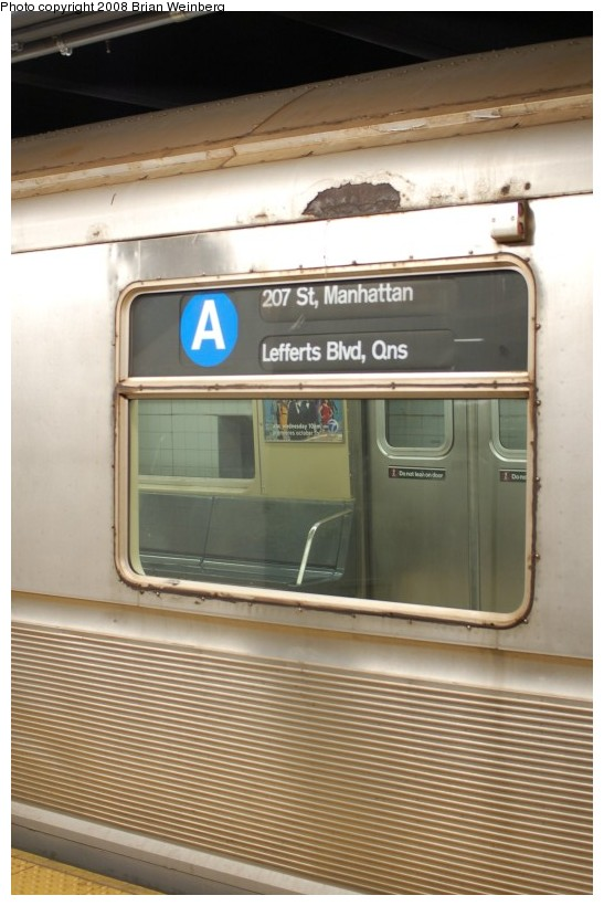 (166k, 547x820)<br><b>Country:</b> United States<br><b>City:</b> New York<br><b>System:</b> New York City Transit<br><b>Line:</b> IND 8th Avenue Line<br><b>Location:</b> 207th Street <br><b>Route:</b> A<br><b>Car:</b> R-40 (St. Louis, 1968)  4347 <br><b>Photo by:</b> Brian Weinberg<br><b>Date:</b> 11/25/2008<br><b>Viewed (this week/total):</b> 0 / 1419