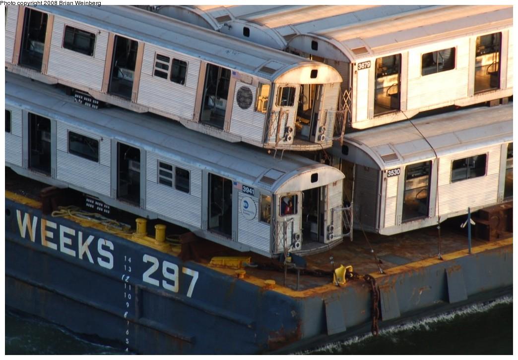 (242k, 1044x727)<br><b>Country:</b> United States<br><b>City:</b> New York<br><b>System:</b> New York City Transit<br><b>Location:</b> Harlem River Ship Canal<br><b>Car:</b> R-32 (Budd, 1964)  3941/3679/3530 <br><b>Photo by:</b> Brian Weinberg<br><b>Date:</b> 11/21/2008<br><b>Viewed (this week/total):</b> 2 / 2026