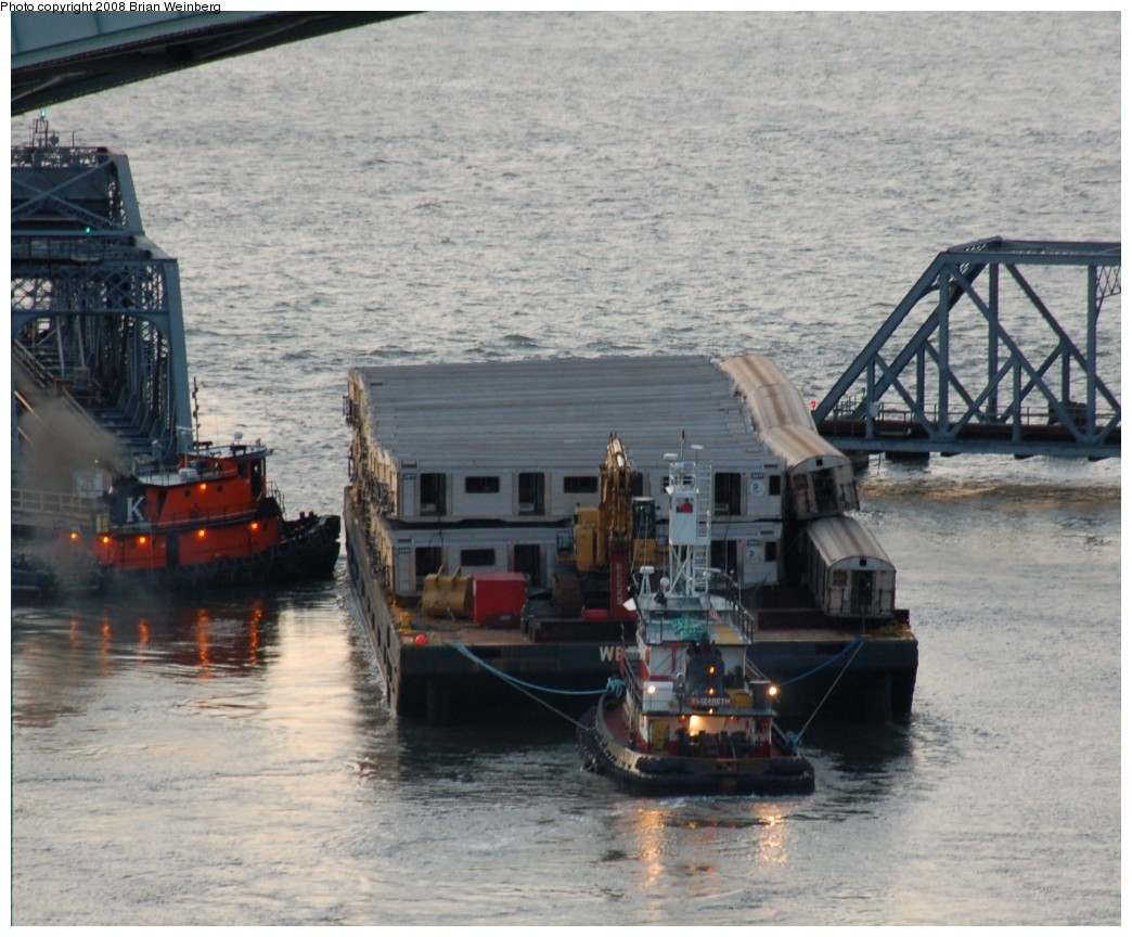 (277k, 1044x864)<br><b>Country:</b> United States<br><b>City:</b> New York<br><b>System:</b> New York City Transit<br><b>Location:</b> Harlem River Ship Canal<br><b>Car:</b> R-32 (Budd, 1964)   <br><b>Photo by:</b> Brian Weinberg<br><b>Date:</b> 11/21/2008<br><b>Viewed (this week/total):</b> 4 / 1650