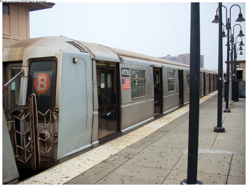 (252k, 1044x788)<br><b>Country:</b> United States<br><b>City:</b> New York<br><b>System:</b> New York City Transit<br><b>Line:</b> BMT Brighton Line<br><b>Location:</b> Brighton Beach <br><b>Route:</b> B<br><b>Car:</b> R-40 (St. Louis, 1968)  4178 <br><b>Photo by:</b> Zach Summer<br><b>Date:</b> 8/6/2008<br><b>Viewed (this week/total):</b> 3 / 1279