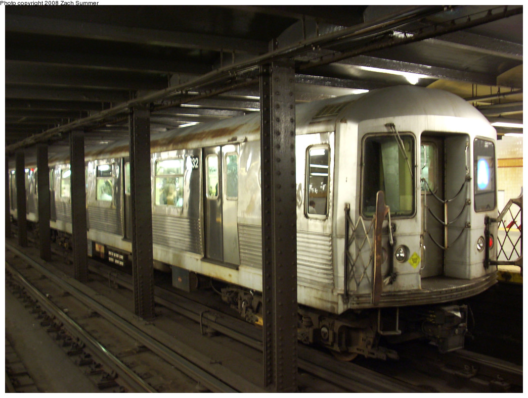 (241k, 1044x788)<br><b>Country:</b> United States<br><b>City:</b> New York<br><b>System:</b> New York City Transit<br><b>Line:</b> IND 8th Avenue Line<br><b>Location:</b> 14th Street <br><b>Route:</b> A<br><b>Car:</b> R-42 (St. Louis, 1969-1970)  4632 <br><b>Photo by:</b> Zach Summer<br><b>Date:</b> 8/6/2008<br><b>Viewed (this week/total):</b> 7 / 1550