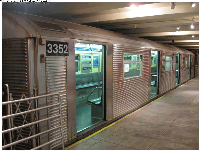 (134k, 820x620)<br><b>Country:</b> United States<br><b>City:</b> New York<br><b>System:</b> New York City Transit<br><b>Location:</b> New York Transit Museum<br><b>Car:</b> R-32 (Budd, 1964)  3352 <br><b>Photo by:</b> Gary Chatterton<br><b>Date:</b> 11/19/2008<br><b>Viewed (this week/total):</b> 4 / 3095