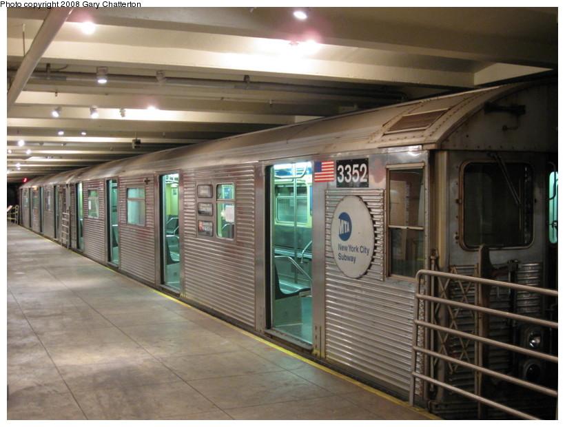 (136k, 820x620)<br><b>Country:</b> United States<br><b>City:</b> New York<br><b>System:</b> New York City Transit<br><b>Location:</b> New York Transit Museum<br><b>Car:</b> R-32 (Budd, 1964)  3352 <br><b>Photo by:</b> Gary Chatterton<br><b>Date:</b> 11/19/2008<br><b>Viewed (this week/total):</b> 4 / 2984