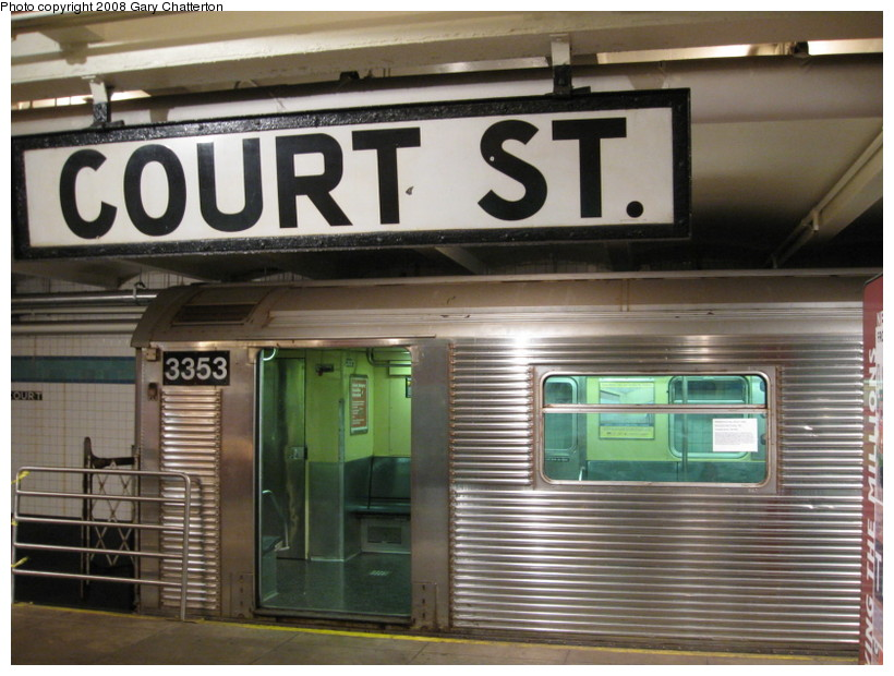 (138k, 820x620)<br><b>Country:</b> United States<br><b>City:</b> New York<br><b>System:</b> New York City Transit<br><b>Location:</b> New York Transit Museum<br><b>Car:</b> R-32 (Budd, 1964)  3353 <br><b>Photo by:</b> Gary Chatterton<br><b>Date:</b> 11/19/2008<br><b>Viewed (this week/total):</b> 0 / 2627