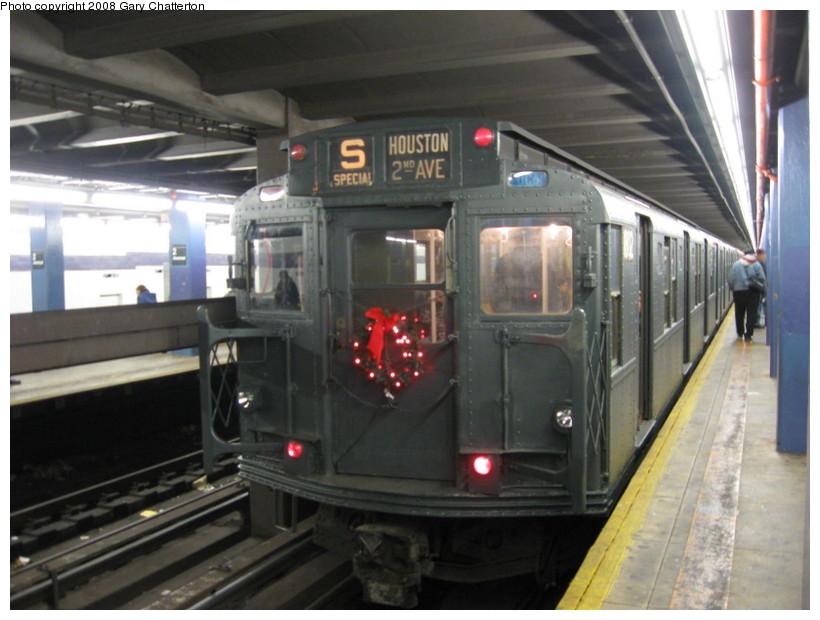 (122k, 820x620)<br><b>Country:</b> United States<br><b>City:</b> New York<br><b>System:</b> New York City Transit<br><b>Line:</b> IND 6th Avenue Line<br><b>Location:</b> 2nd Avenue <br><b>Route:</b> Museum Train Service (V)<br><b>Car:</b> R-9 (Pressed Steel, 1940)  1802 <br><b>Photo by:</b> Gary Chatterton<br><b>Date:</b> 11/30/2008<br><b>Viewed (this week/total):</b> 0 / 1165