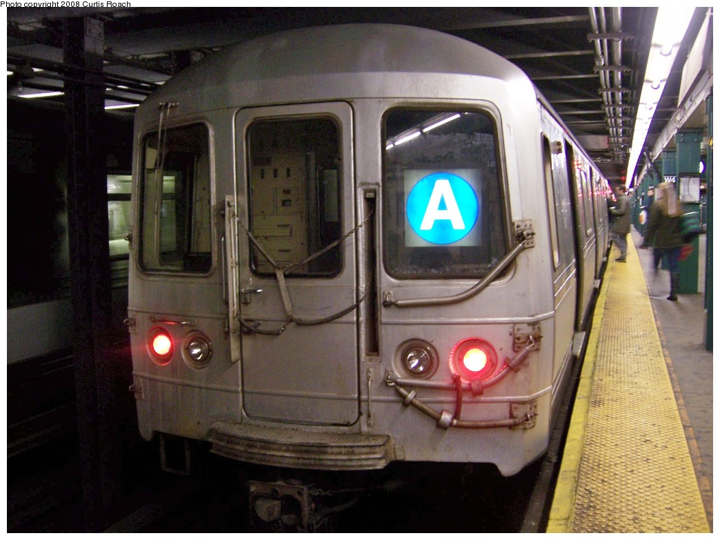 (199k, 1044x783)<br><b>Country:</b> United States<br><b>City:</b> New York<br><b>System:</b> New York City Transit<br><b>Line:</b> IND 8th Avenue Line<br><b>Location:</b> West 4th Street/Washington Square <br><b>Route:</b> A<br><b>Car:</b> R-44 (St. Louis, 1971-73) 5466 <br><b>Photo by:</b> Curtis Roach<br><b>Date:</b> 12/7/2008<br><b>Viewed (this week/total):</b> 1 / 1533
