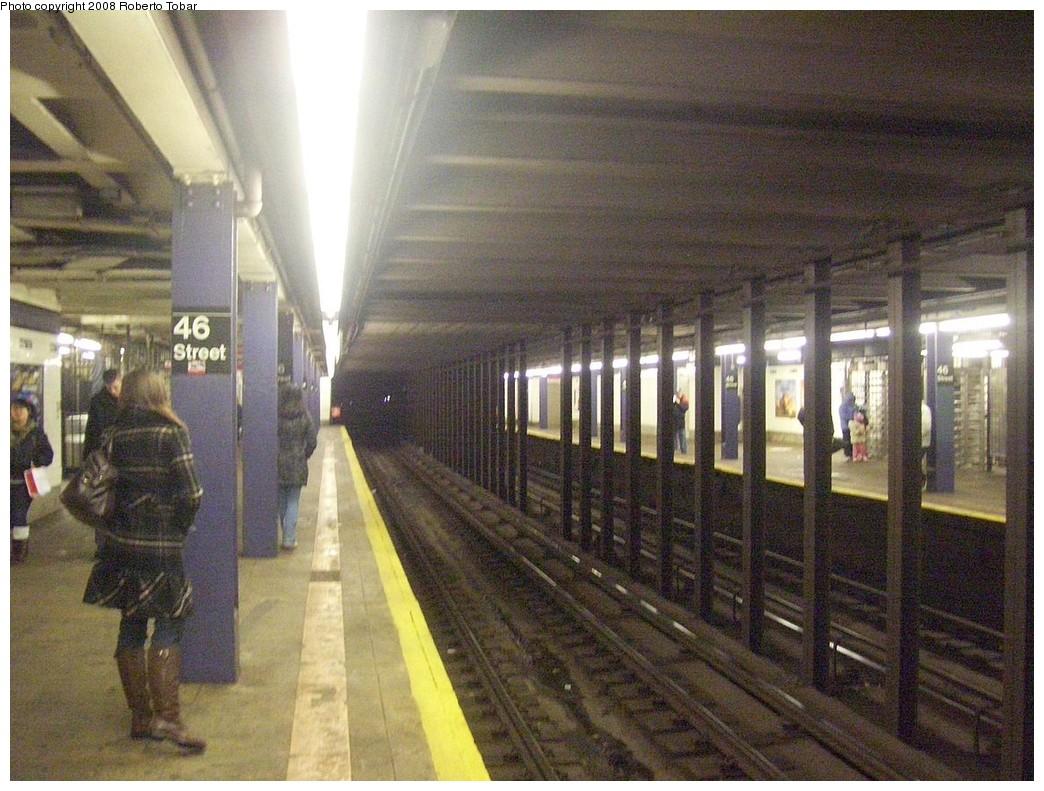(246k, 1044x791)<br><b>Country:</b> United States<br><b>City:</b> New York<br><b>System:</b> New York City Transit<br><b>Line:</b> IND Queens Boulevard Line<br><b>Location:</b> 46th Street <br><b>Photo by:</b> Roberto C. Tobar<br><b>Date:</b> 12/20/2008<br><b>Viewed (this week/total):</b> 3 / 1604