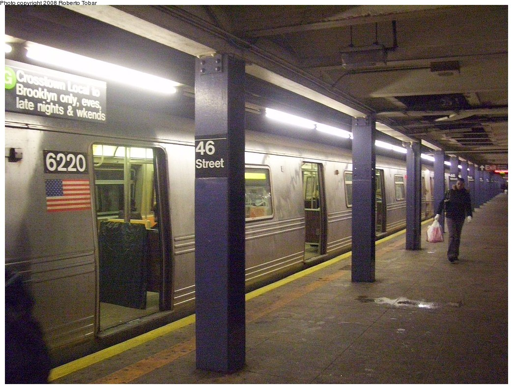 (266k, 1044x791)<br><b>Country:</b> United States<br><b>City:</b> New York<br><b>System:</b> New York City Transit<br><b>Line:</b> IND Queens Boulevard Line<br><b>Location:</b> 46th Street<br><b>Route:</b> R<br><b>Car:</b> R-46 (Pullman-Standard, 1974-75) 6220 <br><b>Photo by:</b> Roberto C. Tobar<br><b>Date:</b> 12/20/2008<br><b>Viewed (this week/total):</b> 1 / 2143