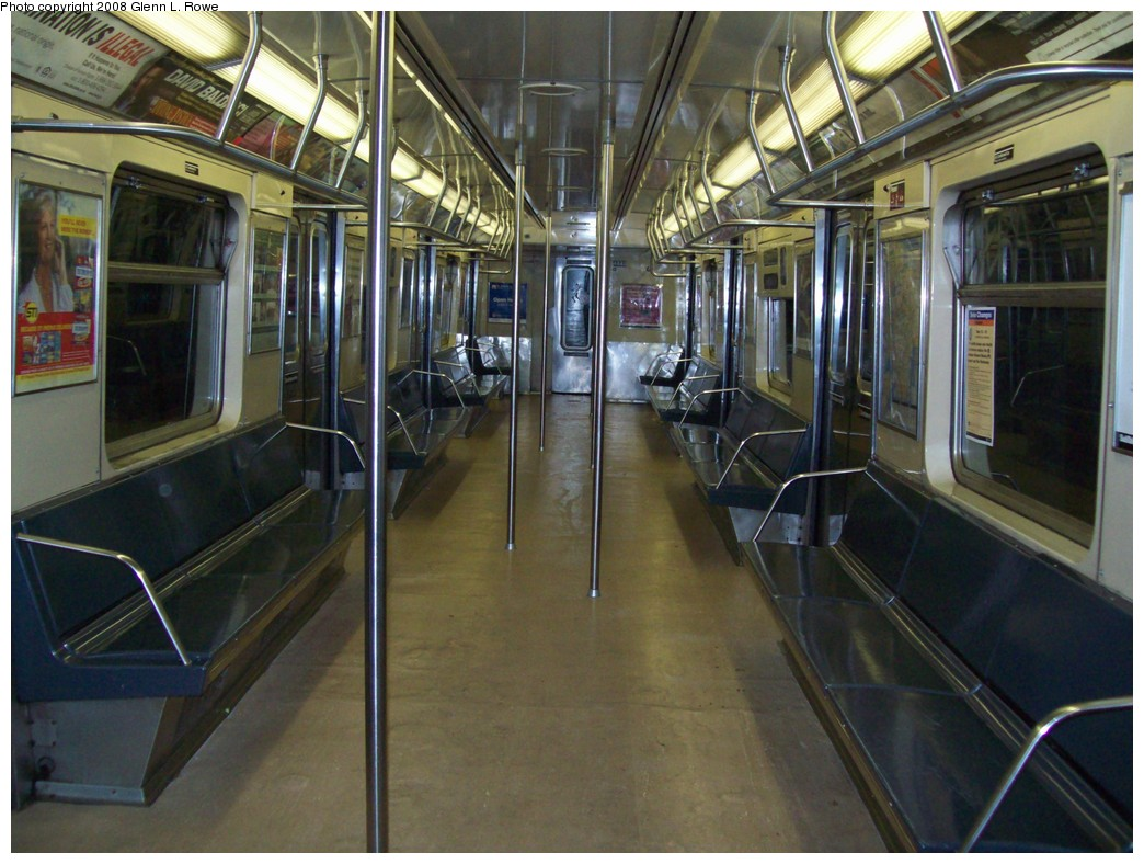 (225k, 1044x788)<br><b>Country:</b> United States<br><b>City:</b> New York<br><b>System:</b> New York City Transit<br><b>Car:</b> R-40 (St. Louis, 1968)  4448 <br><b>Photo by:</b> Glenn L. Rowe<br><b>Date:</b> 12/10/2008<br><b>Viewed (this week/total):</b> 0 / 1145