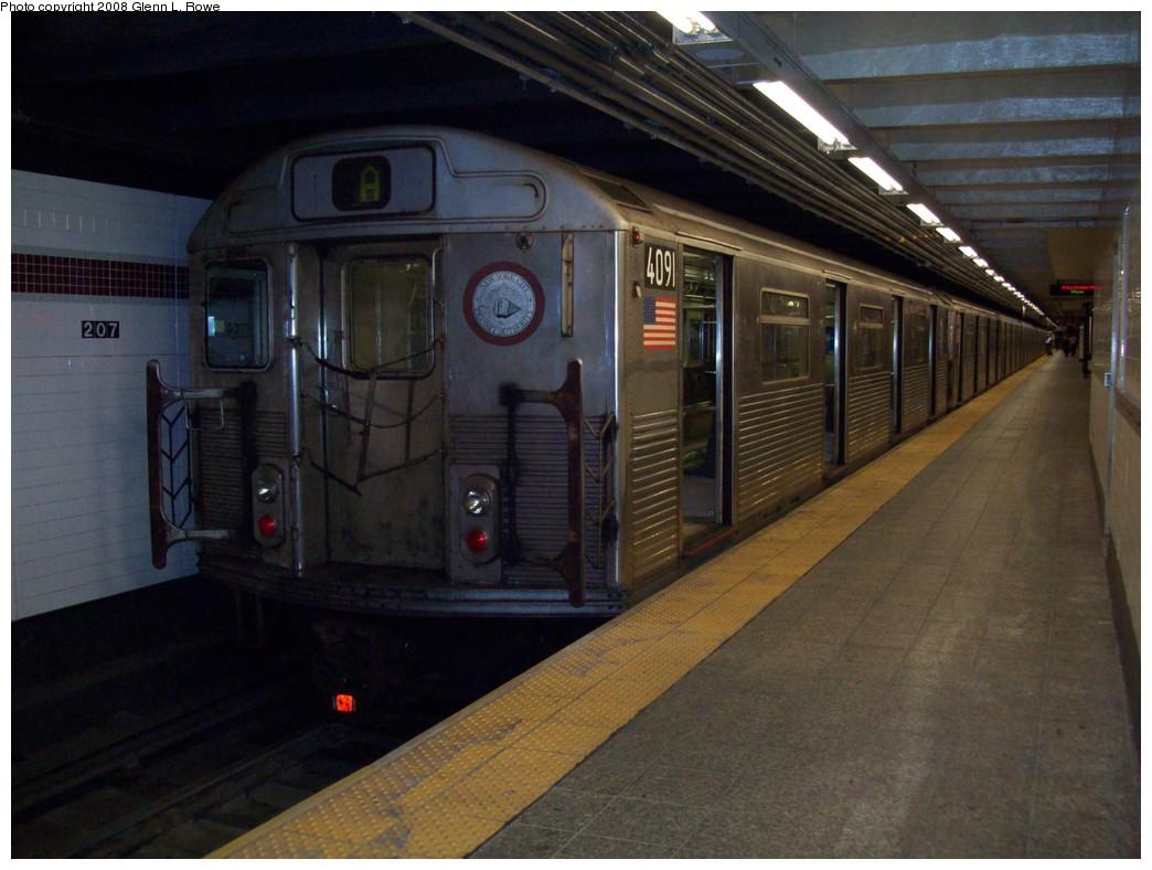 (190k, 1044x788)<br><b>Country:</b> United States<br><b>City:</b> New York<br><b>System:</b> New York City Transit<br><b>Line:</b> IND 8th Avenue Line<br><b>Location:</b> 207th Street <br><b>Route:</b> A<br><b>Car:</b> R-38 (St. Louis, 1966-1967)  4091 <br><b>Photo by:</b> Glenn L. Rowe<br><b>Date:</b> 12/19/2008<br><b>Viewed (this week/total):</b> 3 / 1024