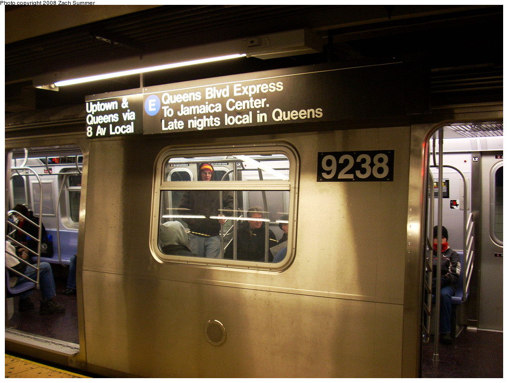 (265k, 1044x788)<br><b>Country:</b> United States<br><b>City:</b> New York<br><b>System:</b> New York City Transit<br><b>Line:</b> IND 8th Avenue Line<br><b>Location:</b> Chambers Street/World Trade Center <br><b>Route:</b> E<br><b>Car:</b> R-160A (Option 1) (Alstom, 2008-2009, 5 car sets)  9238 <br><b>Photo by:</b> Zach Summer<br><b>Date:</b> 12/22/2008<br><b>Notes:</b> First day of revenue service for R160A option order cars on E.<br><b>Viewed (this week/total):</b> 0 / 2349