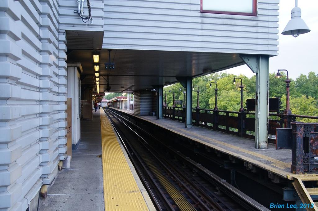(308k, 1024x680)<br><b>Country:</b> United States<br><b>City:</b> New York<br><b>System:</b> New York City Transit<br><b>Line:</b> IRT West Side Line<br><b>Location:</b> 242nd Street/Van Cortlandt Park<br><b>Photo by:</b> Brian Lee<br><b>Date:</b> 8/3/2013<br><b>Viewed (this week/total):</b> 1 / 1617