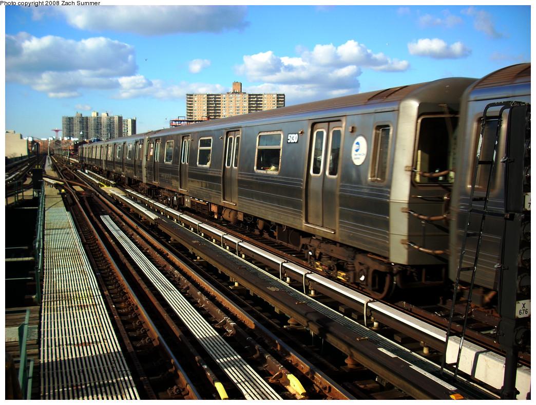 (345k, 1044x788)<br><b>Country:</b> United States<br><b>City:</b> New York<br><b>System:</b> New York City Transit<br><b>Line:</b> BMT Brighton Line<br><b>Location:</b> Brighton Beach <br><b>Route:</b> Q<br><b>Car:</b> R-68A (Kawasaki, 1988-1989)  5130 <br><b>Photo by:</b> Zach Summer<br><b>Date:</b> 12/5/2008<br><b>Viewed (this week/total):</b> 0 / 1259
