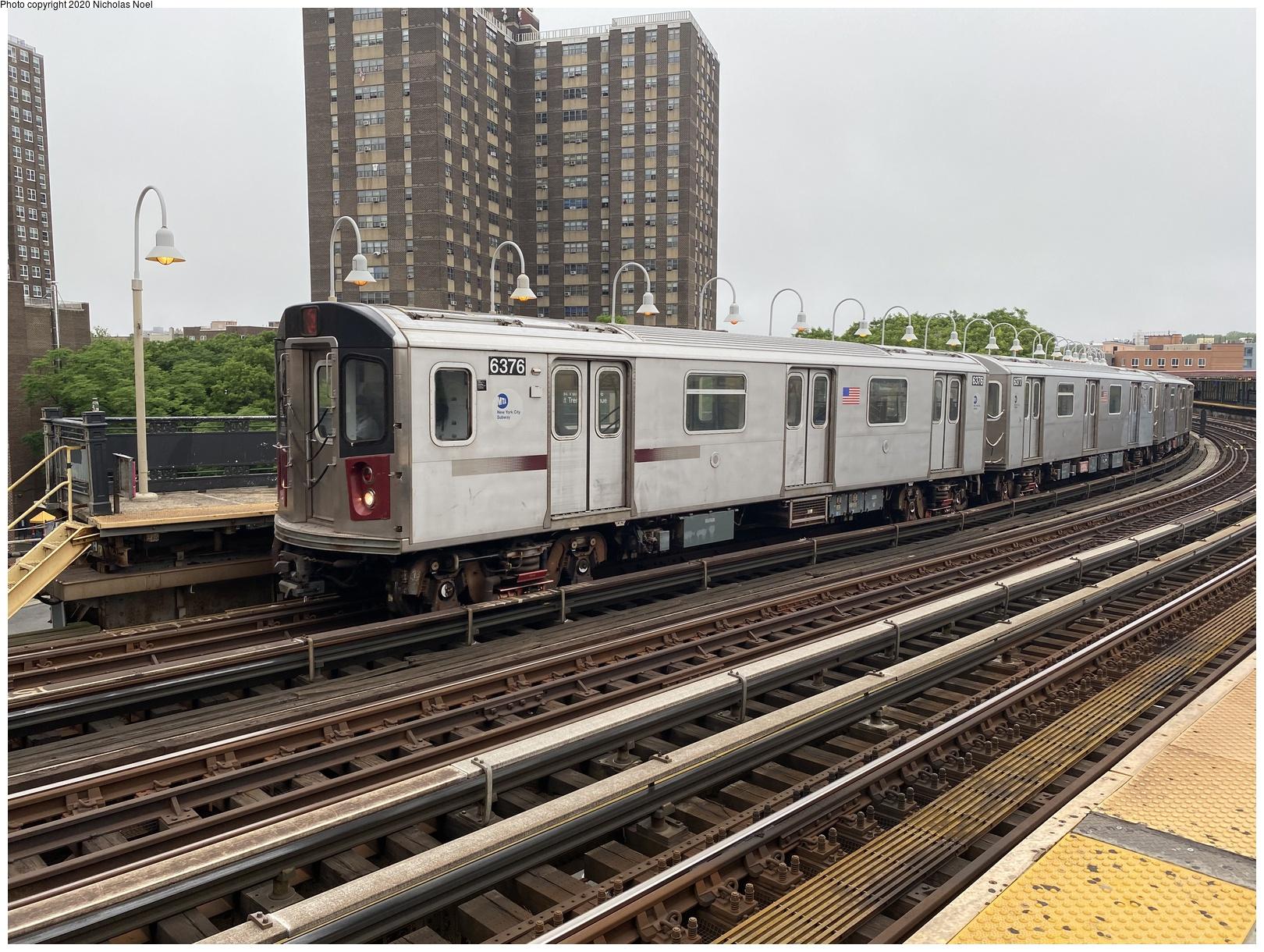 (188k, 1044x727)<br><b>Country:</b> United States<br><b>City:</b> New York<br><b>System:</b> New York City Transit<br><b>Line:</b> BMT West End Line<br><b>Location:</b> Bay 50th Street <br><b>Car:</b> BMT D-Type Triplex 6077 <br><b>Photo by:</b> Joel Shanus<br><b>Viewed (this week/total):</b> 0 / 2515