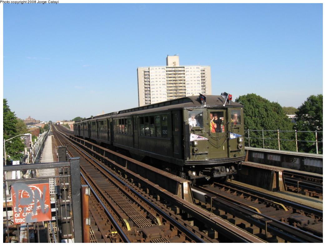 (218k, 1044x788)<br><b>Country:</b> United States<br><b>City:</b> New York<br><b>System:</b> New York City Transit<br><b>Line:</b> IRT Pelham Line<br><b>Location:</b> Morrison/Soundview Aves. <br><b>Route:</b> Fan Trip<br><b>Car:</b> Low-V (Museum Train) 5292 <br><b>Photo by:</b> Jorge Catayi<br><b>Date:</b> 9/21/2008<br><b>Viewed (this week/total):</b> 1 / 1537