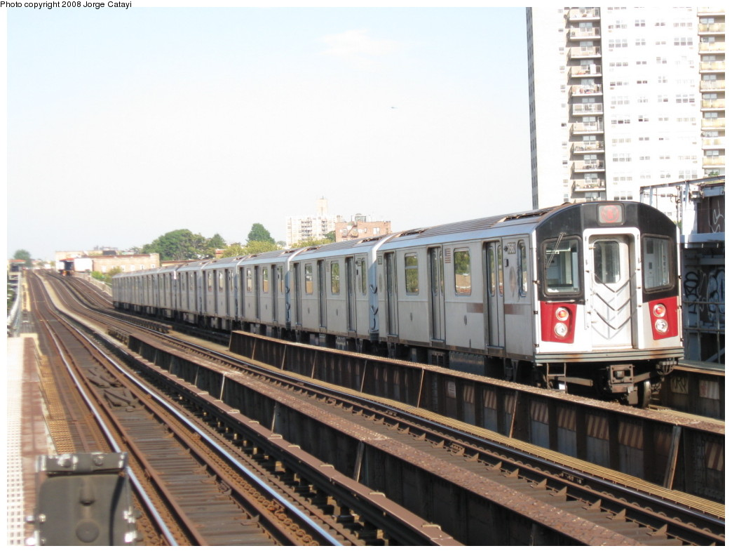 (195k, 1044x788)<br><b>Country:</b> United States<br><b>City:</b> New York<br><b>System:</b> New York City Transit<br><b>Line:</b> IRT Pelham Line<br><b>Location:</b> Morrison/Soundview Aves. <br><b>Route:</b> 6<br><b>Car:</b> R-142A (Primary Order, Kawasaki, 1999-2002)  7560 <br><b>Photo by:</b> Jorge Catayi<br><b>Date:</b> 9/21/2008<br><b>Viewed (this week/total):</b> 0 / 1700