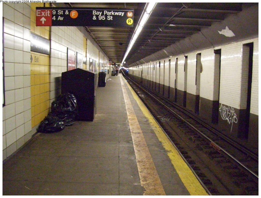 (263k, 1044x791)<br><b>Country:</b> United States<br><b>City:</b> New York<br><b>System:</b> New York City Transit<br><b>Line:</b> BMT 4th Avenue<br><b>Location:</b> 9th Street <br><b>Photo by:</b> Aliandro Brathwaite<br><b>Date:</b> 12/20/2008<br><b>Viewed (this week/total):</b> 0 / 1624