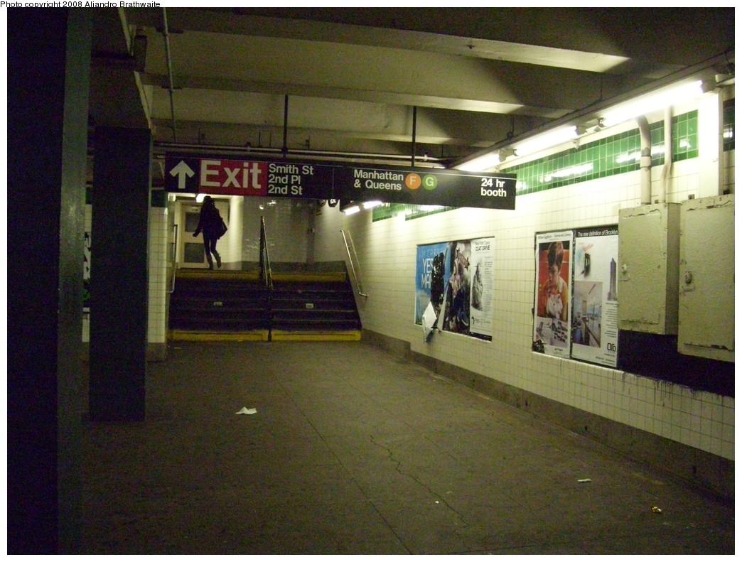 (262k, 1044x791)<br><b>Country:</b> United States<br><b>City:</b> New York<br><b>System:</b> New York City Transit<br><b>Line:</b> IND Crosstown Line<br><b>Location:</b> Carroll Street <br><b>Photo by:</b> Aliandro Brathwaite<br><b>Date:</b> 12/20/2008<br><b>Viewed (this week/total):</b> 0 / 1825