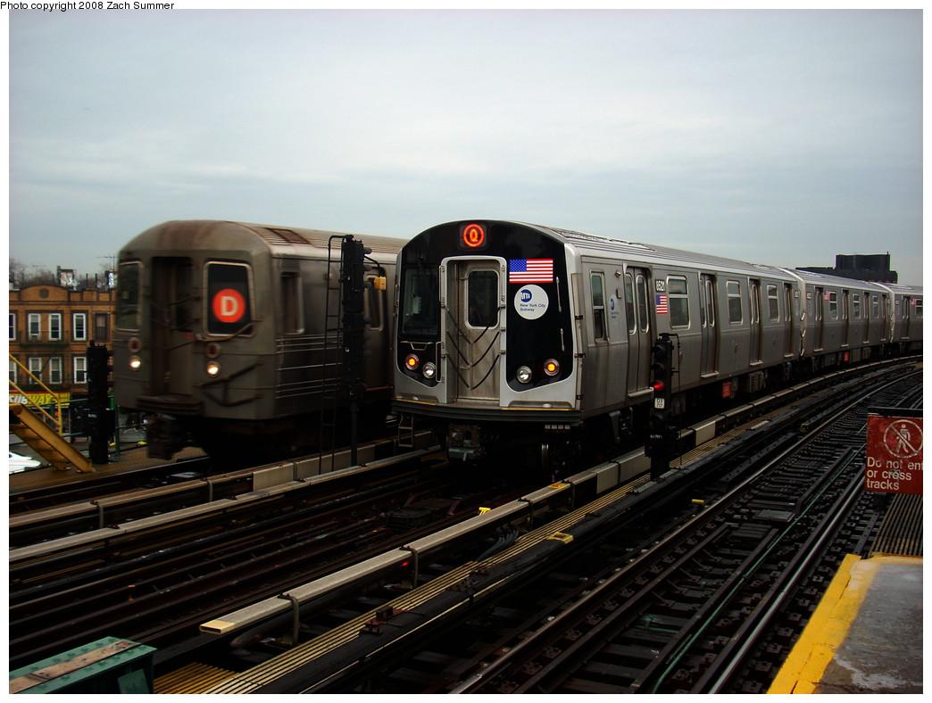 (247k, 1044x788)<br><b>Country:</b> United States<br><b>City:</b> New York<br><b>System:</b> New York City Transit<br><b>Line:</b> BMT West End Line<br><b>Location:</b> 25th Avenue <br><b>Route:</b> M (wrong sign)<br><b>Car:</b> R-160A-1 (Alstom, 2005-2008, 4 car sets)  8521 <br><b>Photo by:</b> Zach Summer<br><b>Date:</b> 12/24/2008<br><b>Viewed (this week/total):</b> 0 / 2061