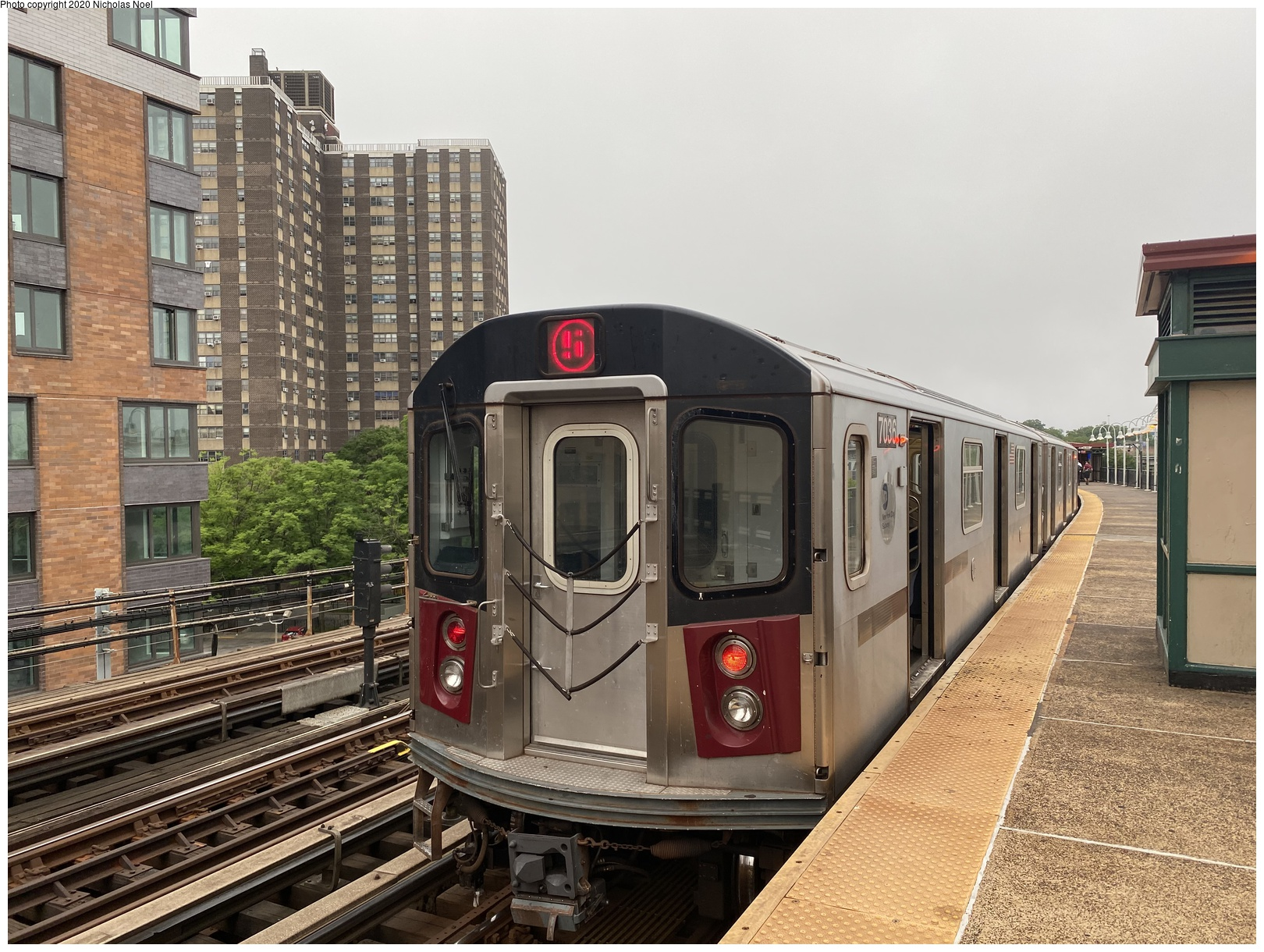 (230k, 1044x727)<br><b>Country:</b> United States<br><b>City:</b> New York<br><b>System:</b> New York City Transit<br><b>Location:</b> 239th Street Yard<br><b>Car:</b> Low-V 4144 <br><b>Photo by:</b> Joel Shanus<br><b>Viewed (this week/total):</b> 0 / 1129
