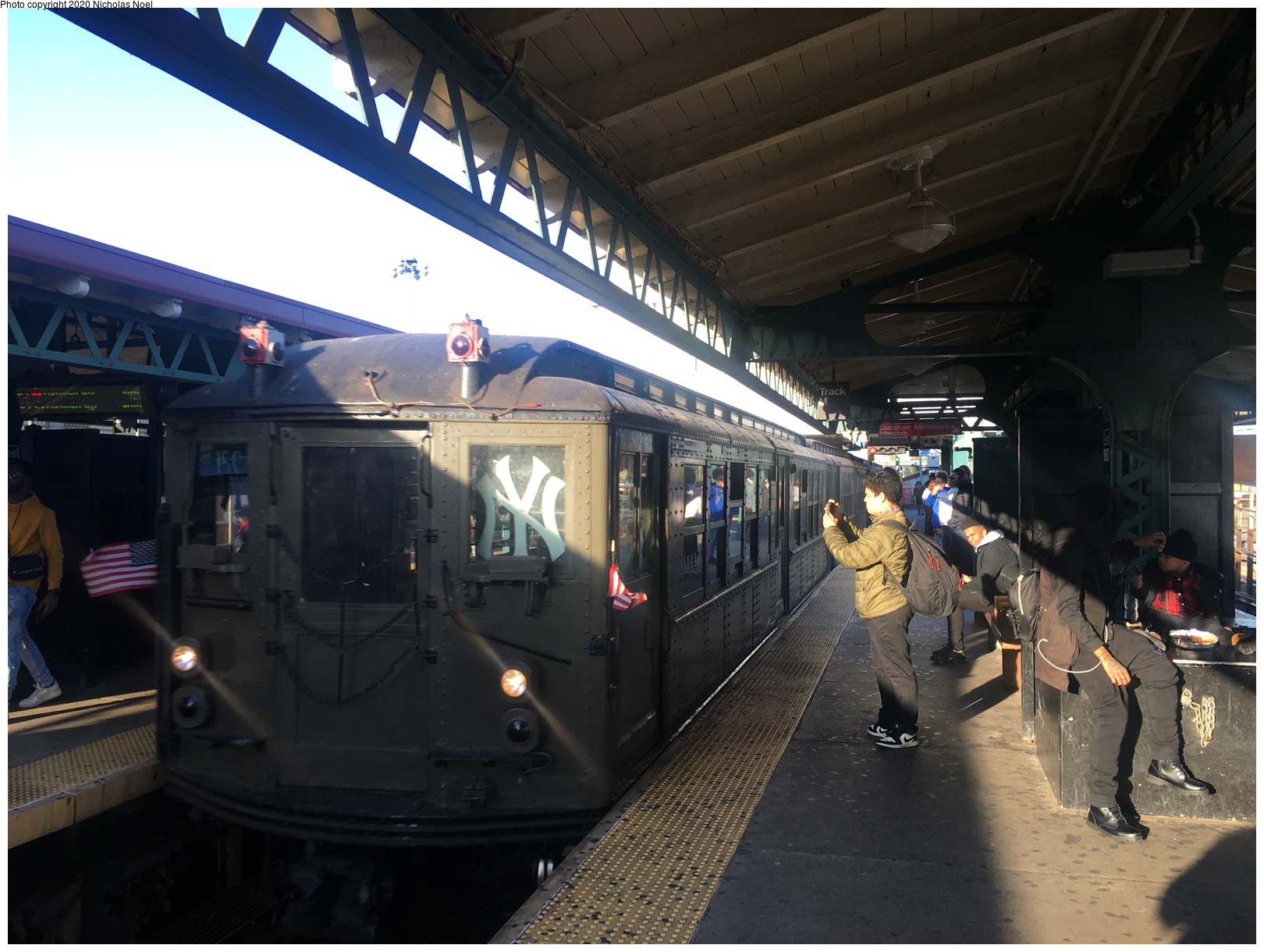 (214k, 806x820)<br><b>Country:</b> United States<br><b>City:</b> New York<br><b>System:</b> New York City Transit<br><b>Line:</b> IRT West Side Line<br><b>Location:</b> Chambers Street <br><b>Car:</b> Low-V  <br><b>Photo by:</b> Joel Shanus<br><b>Viewed (this week/total):</b> 0 / 2270