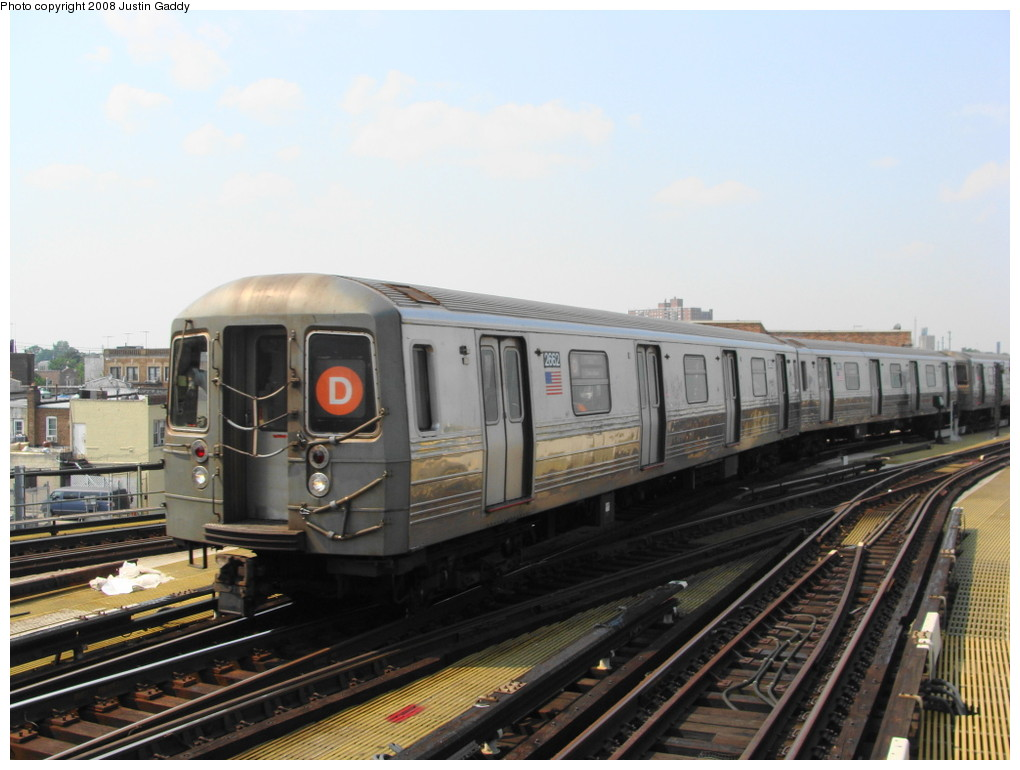 (179k, 1020x770)<br><b>Country:</b> United States<br><b>City:</b> New York<br><b>System:</b> New York City Transit<br><b>Location:</b> Coney Island/Stillwell Avenue<br><b>Route:</b> D<br><b>Car:</b> R-68 (Westinghouse-Amrail, 1986-1988)  2662 <br><b>Photo by:</b> Justin Gaddy<br><b>Date:</b> 7/28/2008<br><b>Viewed (this week/total):</b> 1 / 1043