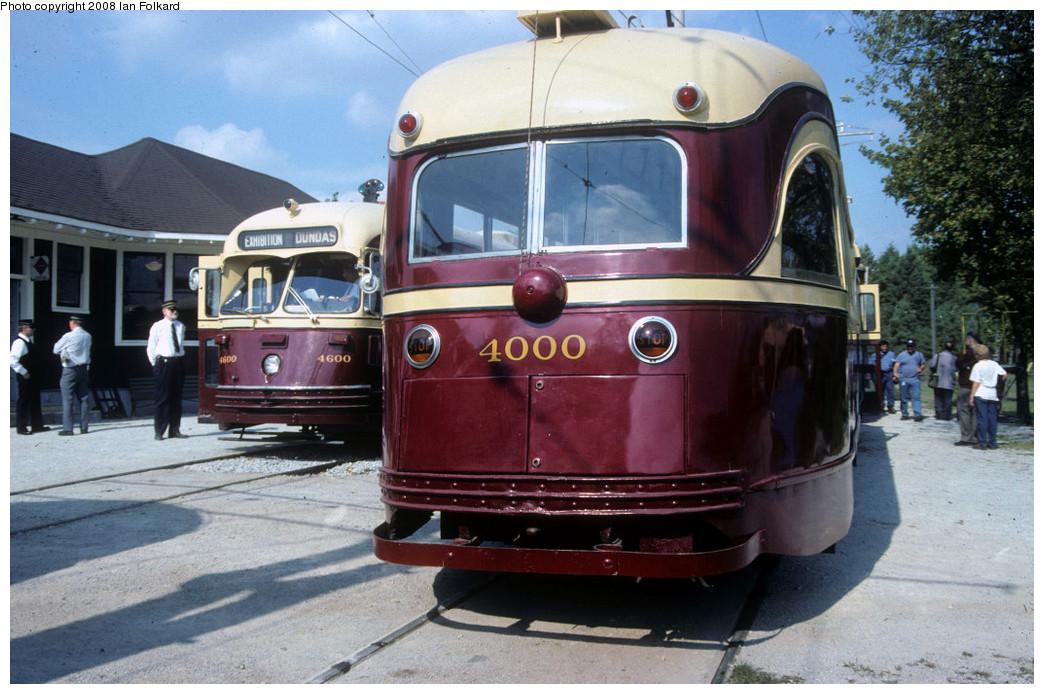 (255k, 1044x694)<br><b>Country:</b> Canada<br><b>City:</b> Toronto<br><b>System:</b> Halton County Radial Railway <br><b>Photo by:</b> Ian Folkard<br><b>Date:</b> 10/2000<br><b>Notes:</b> 4000 at the station with 4600.<br><b>Viewed (this week/total):</b> 0 / 757