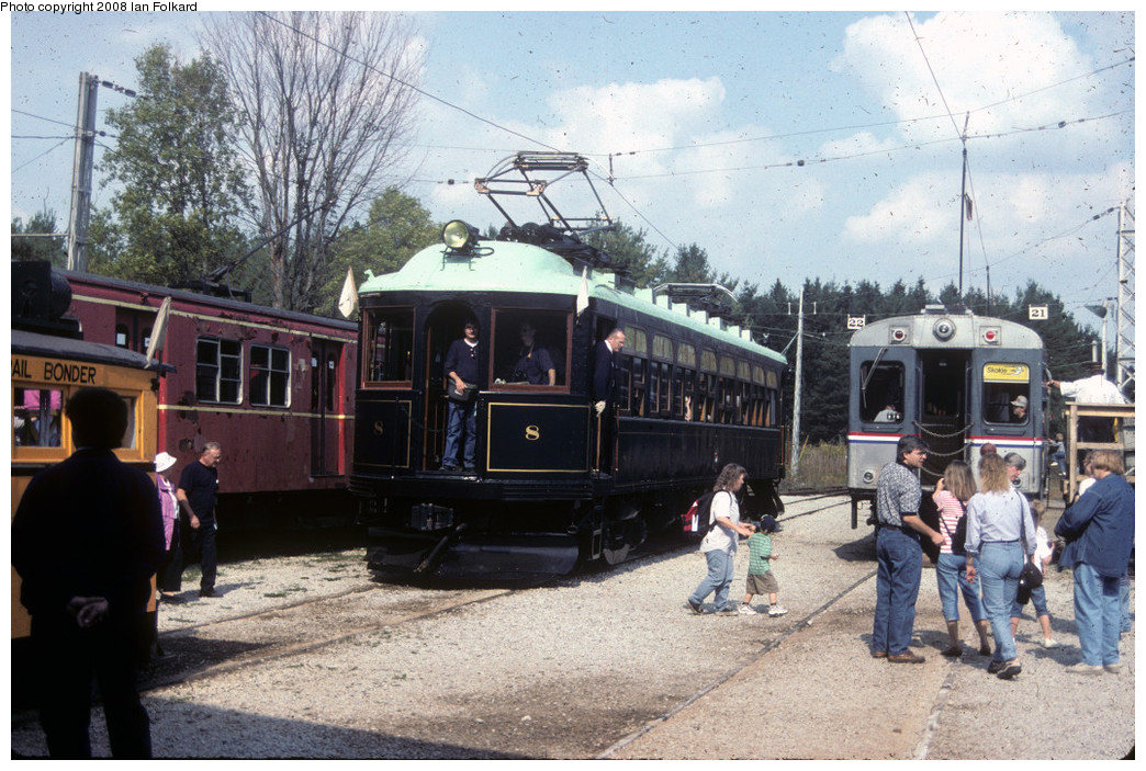 (288k, 1044x703)<br><b>Country:</b> Canada<br><b>City:</b> Toronto<br><b>System:</b> Halton County Radial Railway <br><b>Photo by:</b> Ian Folkard<br><b>Date:</b> 10/2000<br><b>Notes:</b> London and Port Stanley 8 loading at the station.<br><b>Viewed (this week/total):</b> 0 / 704
