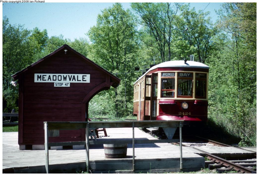 (328k, 1044x710)<br><b>Country:</b> Canada<br><b>City:</b> Toronto<br><b>System:</b> Halton County Radial Railway <br><b>Photo by:</b> Ian Folkard<br><b>Date:</b> 6/1995<br><b>Notes:</b> 2424 at East End Loop.<br><b>Viewed (this week/total):</b> 1 / 591