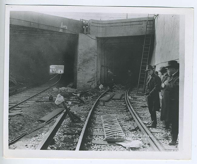(95k, 650x540)<br><b>Country:</b> United States<br><b>City:</b> New York<br><b>System:</b> New York City Transit<br><b>Line:</b> BMT Franklin<br><b>Location:</b> Empire Blvd. (Malbone St.) Tunnel Portal <br><b>Collection of:</b> NYCTA File Photo<br><b>Date:</b> 11/2/1918<br><b>Notes:</b> Malbone Street accident.<br><b>Viewed (this week/total):</b> 0 / 7461