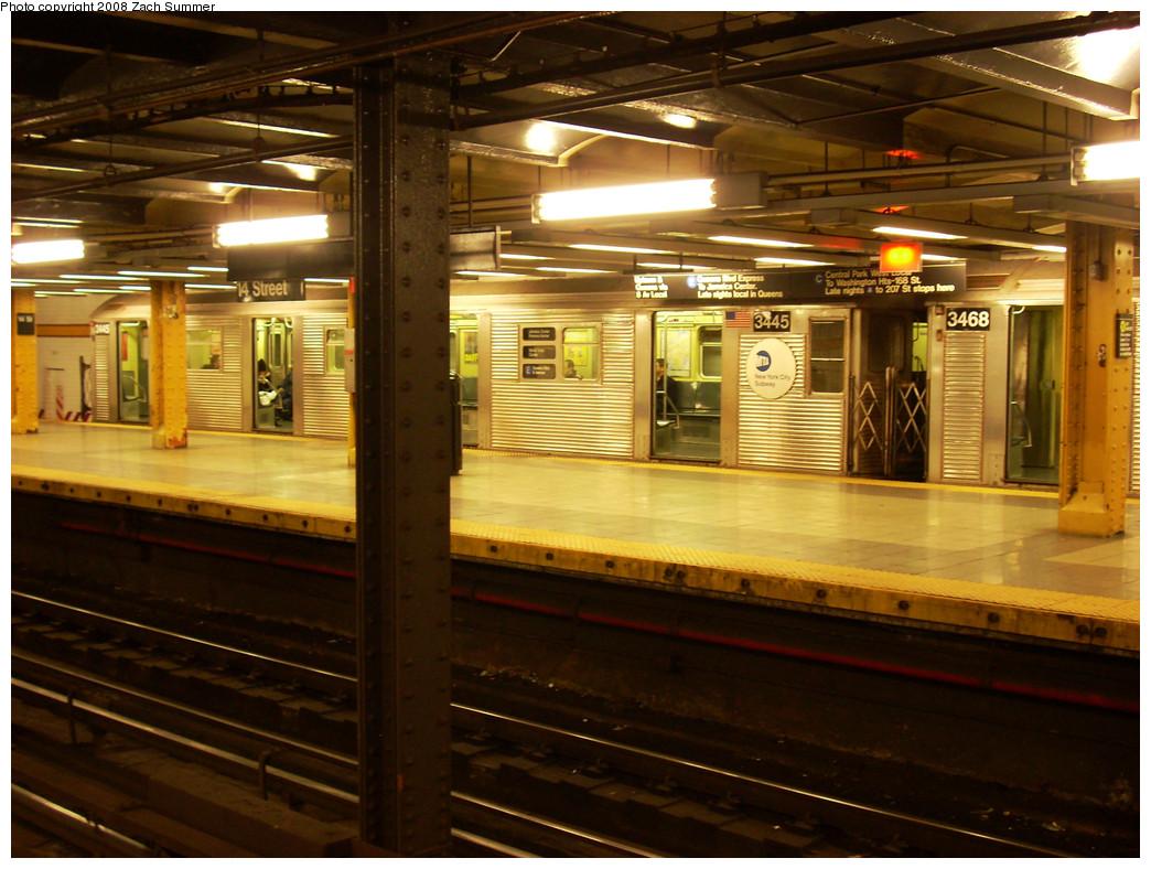 (289k, 1044x788)<br><b>Country:</b> United States<br><b>City:</b> New York<br><b>System:</b> New York City Transit<br><b>Line:</b> IND 8th Avenue Line<br><b>Location:</b> 14th Street <br><b>Route:</b> E<br><b>Car:</b> R-32 (Budd, 1964)  3445 <br><b>Photo by:</b> Zach Summer<br><b>Date:</b> 12/21/2008<br><b>Viewed (this week/total):</b> 1 / 1582