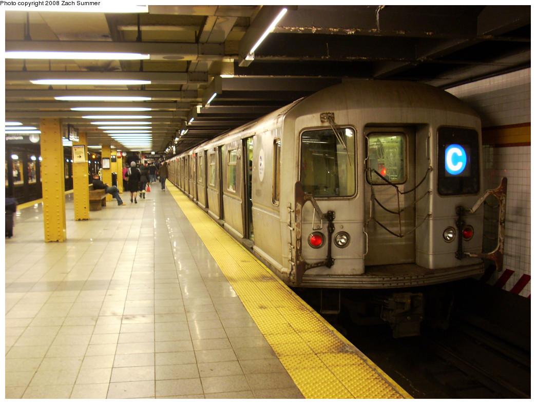 (258k, 1044x788)<br><b>Country:</b> United States<br><b>City:</b> New York<br><b>System:</b> New York City Transit<br><b>Line:</b> IND 8th Avenue Line<br><b>Location:</b> 14th Street <br><b>Route:</b> C<br><b>Car:</b> R-40M (St. Louis, 1969)   <br><b>Photo by:</b> Zach Summer<br><b>Date:</b> 12/21/2008<br><b>Viewed (this week/total):</b> 6 / 1469