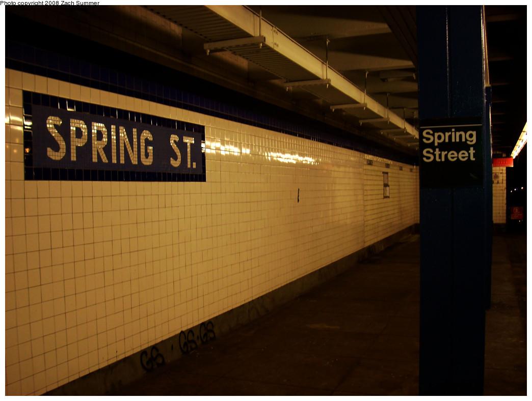 (199k, 1044x788)<br><b>Country:</b> United States<br><b>City:</b> New York<br><b>System:</b> New York City Transit<br><b>Line:</b> IND 8th Avenue Line<br><b>Location:</b> Spring Street <br><b>Photo by:</b> Zach Summer<br><b>Date:</b> 12/21/2008<br><b>Viewed (this week/total):</b> 0 / 1044