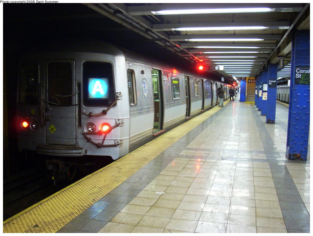 (275k, 1044x788)<br><b>Country:</b> United States<br><b>City:</b> New York<br><b>System:</b> New York City Transit<br><b>Line:</b> IND 8th Avenue Line<br><b>Location:</b> Canal Street-Holland Tunnel <br><b>Route:</b> A<br><b>Car:</b> R-44 (St. Louis, 1971-73) 5278 <br><b>Photo by:</b> Zach Summer<br><b>Date:</b> 12/21/2008<br><b>Viewed (this week/total):</b> 0 / 1820
