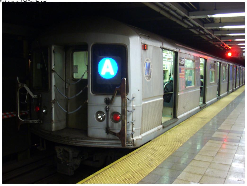 (223k, 1044x788)<br><b>Country:</b> United States<br><b>City:</b> New York<br><b>System:</b> New York City Transit<br><b>Line:</b> IND 8th Avenue Line<br><b>Location:</b> Canal Street-Holland Tunnel <br><b>Route:</b> A<br><b>Car:</b> R-40M (St. Louis, 1969)  4534 <br><b>Photo by:</b> Zach Summer<br><b>Date:</b> 12/21/2008<br><b>Viewed (this week/total):</b> 0 / 1522