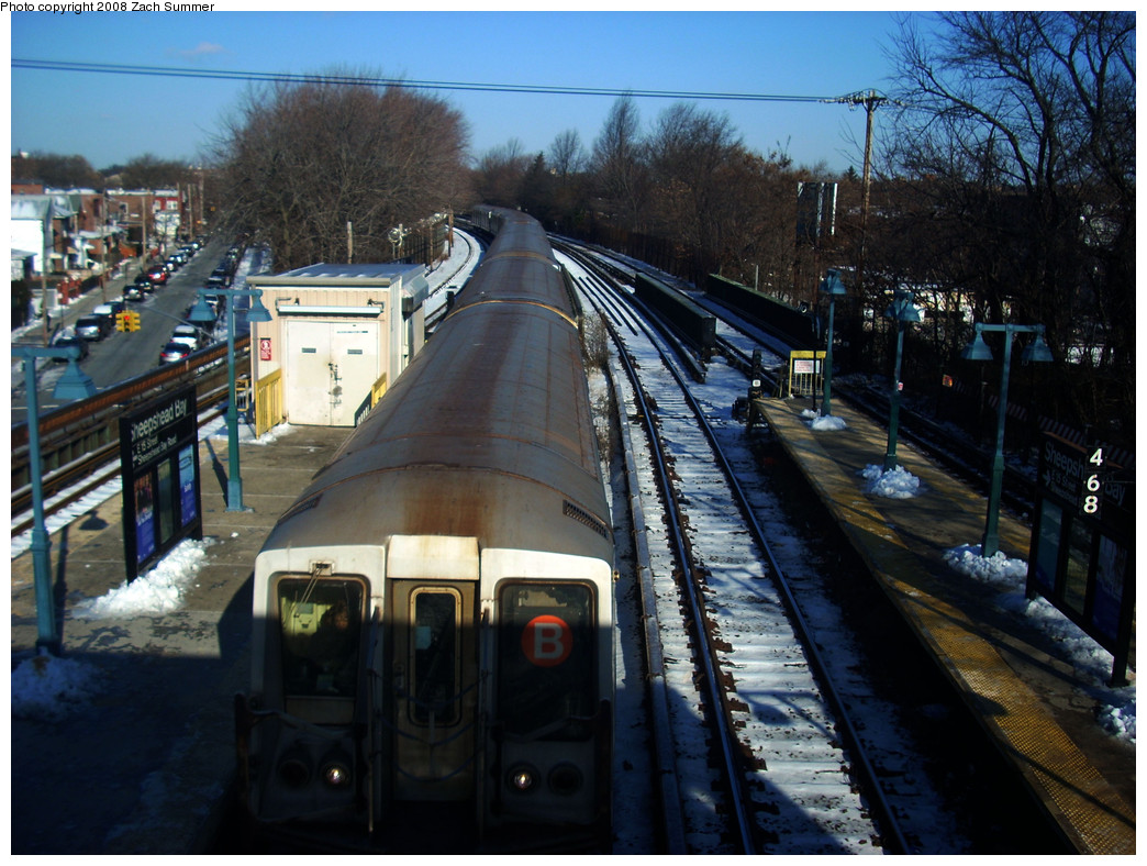 (298k, 1044x788)<br><b>Country:</b> United States<br><b>City:</b> New York<br><b>System:</b> New York City Transit<br><b>Line:</b> BMT Brighton Line<br><b>Location:</b> Sheepshead Bay <br><b>Route:</b> B<br><b>Car:</b> R-40 (St. Louis, 1968)   <br><b>Photo by:</b> Zach Summer<br><b>Date:</b> 12/22/2008<br><b>Viewed (this week/total):</b> 0 / 1715