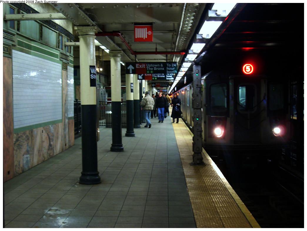 (231k, 1044x788)<br><b>Country:</b> United States<br><b>City:</b> New York<br><b>System:</b> New York City Transit<br><b>Line:</b> IRT East Side Line<br><b>Location:</b> Wall Street <br><b>Route:</b> 5<br><b>Car:</b> R-142 or R-142A (Number Unknown)  <br><b>Photo by:</b> Zach Summer<br><b>Date:</b> 12/22/2008<br><b>Viewed (this week/total):</b> 0 / 2679