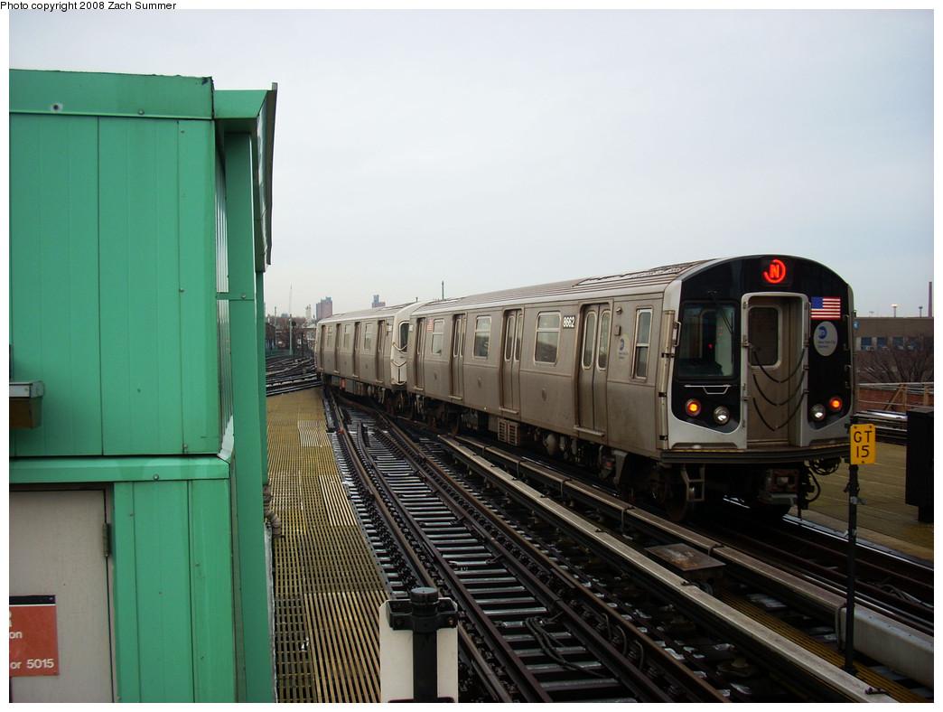 (229k, 1044x788)<br><b>Country:</b> United States<br><b>City:</b> New York<br><b>System:</b> New York City Transit<br><b>Location:</b> Coney Island/Stillwell Avenue<br><b>Route:</b> N<br><b>Car:</b> R-160A-2 (Alstom, 2005-2008, 5 car sets)  8662 <br><b>Photo by:</b> Zach Summer<br><b>Date:</b> 12/24/2008<br><b>Viewed (this week/total):</b> 1 / 1364