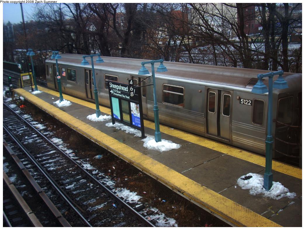 (343k, 1044x788)<br><b>Country:</b> United States<br><b>City:</b> New York<br><b>System:</b> New York City Transit<br><b>Line:</b> BMT Brighton Line<br><b>Location:</b> Sheepshead Bay <br><b>Route:</b> Q<br><b>Car:</b> R-68A (Kawasaki, 1988-1989)  5122 <br><b>Photo by:</b> Zach Summer<br><b>Date:</b> 12/24/2008<br><b>Viewed (this week/total):</b> 0 / 1988