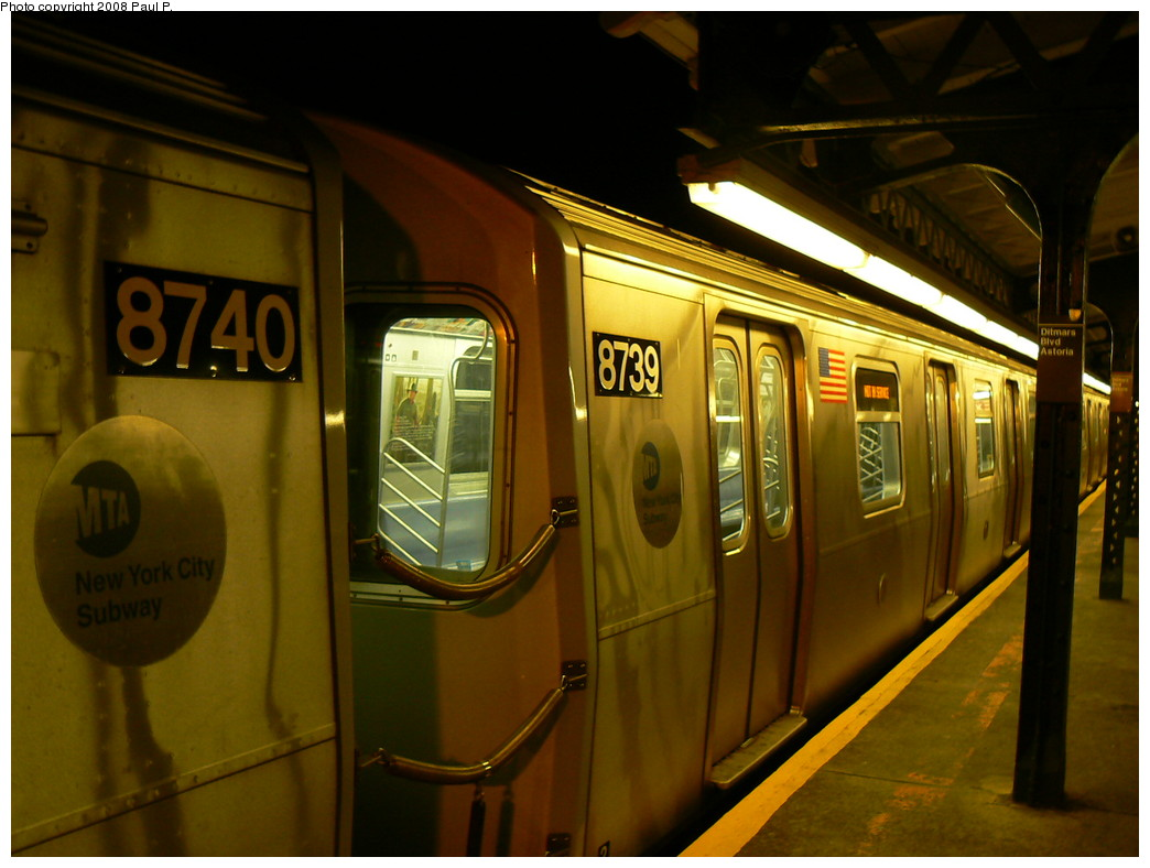 (211k, 1044x788)<br><b>Country:</b> United States<br><b>City:</b> New York<br><b>System:</b> New York City Transit<br><b>Line:</b> BMT Astoria Line<br><b>Location:</b> Ditmars Boulevard <br><b>Route:</b> W<br><b>Car:</b> R-160B (Kawasaki, 2005-2008)  8740/8739 <br><b>Photo by:</b> Paul P.<br><b>Date:</b> 10/31/2008<br><b>Viewed (this week/total):</b> 5 / 2048