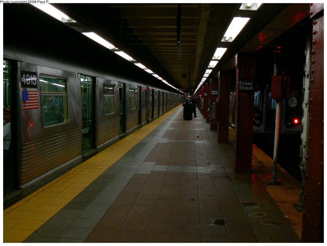 (192k, 1044x788)<br><b>Country:</b> United States<br><b>City:</b> New York<br><b>System:</b> New York City Transit<br><b>Line:</b> BMT Nassau Street/Jamaica Line<br><b>Location:</b> Essex Street <br><b>Route:</b> J<br><b>Car:</b> R-42 (St. Louis, 1969-1970)  4813 <br><b>Photo by:</b> Paul P.<br><b>Date:</b> 11/1/2008<br><b>Viewed (this week/total):</b> 3 / 1938