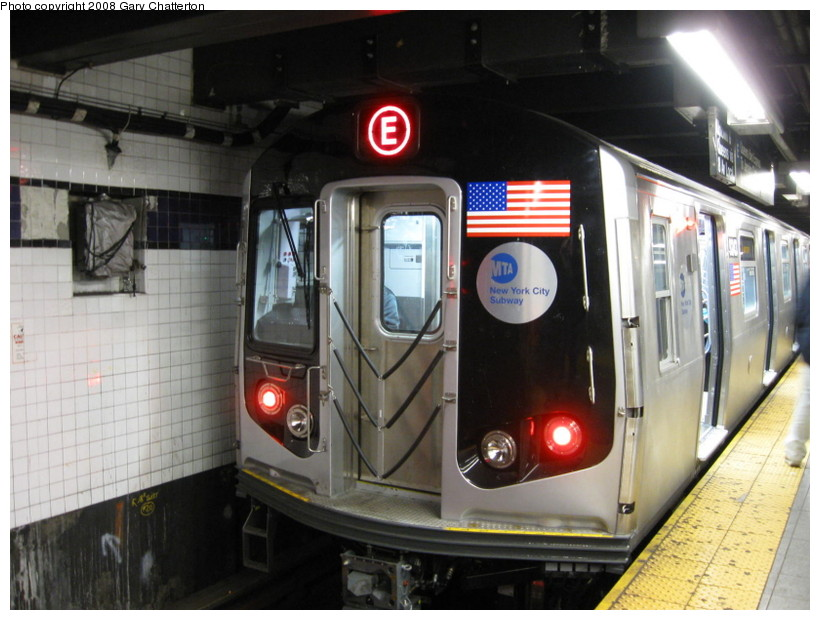 (132k, 820x620)<br><b>Country:</b> United States<br><b>City:</b> New York<br><b>System:</b> New York City Transit<br><b>Line:</b> IND 8th Avenue Line<br><b>Location:</b> Chambers Street/World Trade Center <br><b>Route:</b> E<br><b>Car:</b> R-160A (Option 1) (Alstom, 2008-2009, 5 car sets)  9243 <br><b>Photo by:</b> Gary Chatterton<br><b>Date:</b> 12/23/2008<br><b>Viewed (this week/total):</b> 8 / 1805