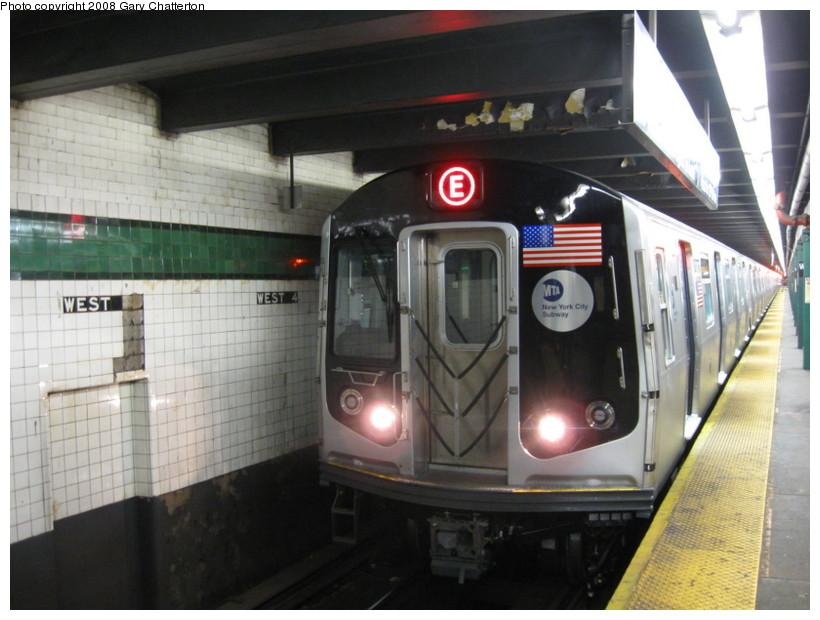(125k, 820x620)<br><b>Country:</b> United States<br><b>City:</b> New York<br><b>System:</b> New York City Transit<br><b>Line:</b> IND 8th Avenue Line<br><b>Location:</b> West 4th Street/Washington Square <br><b>Route:</b> E<br><b>Car:</b> R-160A (Option 1) (Alstom, 2008-2009, 5 car sets)  9243 <br><b>Photo by:</b> Gary Chatterton<br><b>Date:</b> 12/23/2008<br><b>Viewed (this week/total):</b> 0 / 1772