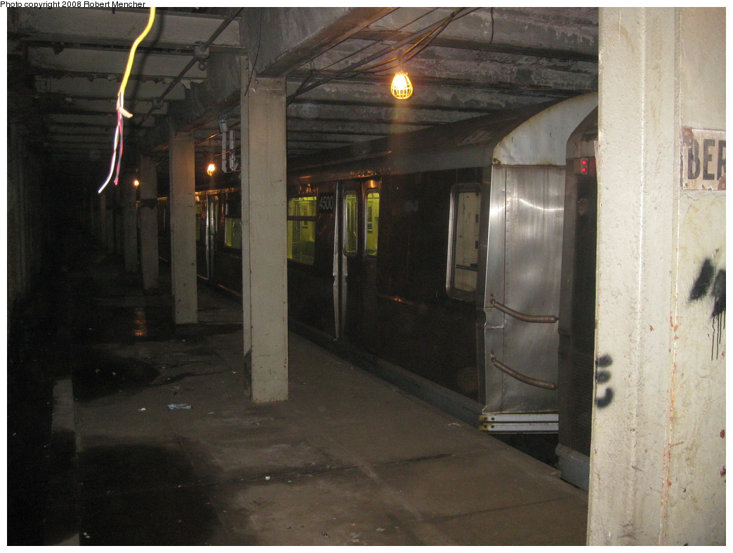(194k, 1044x788)<br><b>Country:</b> United States<br><b>City:</b> New York<br><b>System:</b> New York City Transit<br><b>Line:</b> IND Crosstown Line<br><b>Location:</b> Bergen Street-Lower Level<br><b>Route:</b> A<br><b>Car:</b> R-40M (St. Louis, 1969)  4500 <br><b>Photo by:</b> Robert Mencher<br><b>Date:</b> 12/27/2008<br><b>Notes:</b> G.O. layup/turnback.<br><b>Viewed (this week/total):</b> 1 / 2896