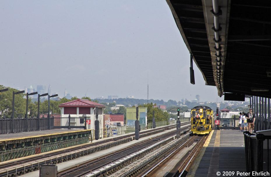(186k, 930x607)<br><b>Country:</b> United States<br><b>City:</b> New York<br><b>System:</b> New York City Transit<br><b>Line:</b> BMT Culver Line<br><b>Location:</b> Avenue P <br><b>Route:</b> Work Service<br><b>Car:</b> R-52 Locomotive  71 <br><b>Photo by:</b> Peter Ehrlich<br><b>Date:</b> 7/22/2009<br><b>Notes:</b> Inbound<br><b>Viewed (this week/total):</b> 3 / 755