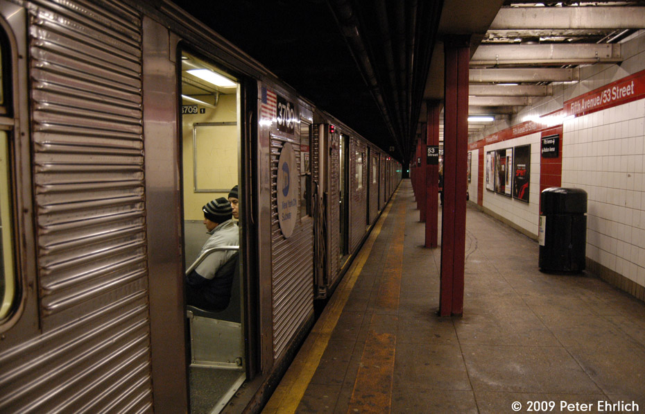 (214k, 930x597)<br><b>Country:</b> United States<br><b>City:</b> New York<br><b>System:</b> New York City Transit<br><b>Line:</b> IND Queens Boulevard Line<br><b>Location:</b> 5th Avenue/53rd Street <br><b>Route:</b> E<br><b>Car:</b> R-32 (Budd, 1964)  3709 <br><b>Photo by:</b> Peter Ehrlich<br><b>Date:</b> 12/28/2008<br><b>Notes:</b> E Line outbound.<br><b>Viewed (this week/total):</b> 0 / 1420