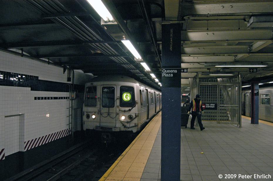 (217k, 930x618)<br><b>Country:</b> United States<br><b>City:</b> New York<br><b>System:</b> New York City Transit<br><b>Line:</b> IND Queens Boulevard Line<br><b>Location:</b> Queens Plaza <br><b>Route:</b> G<br><b>Car:</b> R-46 (Pullman-Standard, 1974-75) 5608 <br><b>Photo by:</b> Peter Ehrlich<br><b>Date:</b> 12/28/2008<br><b>Notes:</b> G Line outbound.<br><b>Viewed (this week/total):</b> 1 / 1926