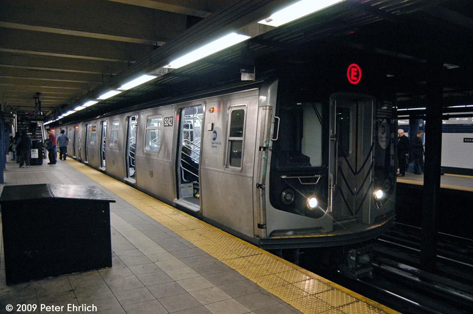 (208k, 930x618)<br><b>Country:</b> United States<br><b>City:</b> New York<br><b>System:</b> New York City Transit<br><b>Line:</b> IND Queens Boulevard Line<br><b>Location:</b> Roosevelt Avenue <br><b>Route:</b> E<br><b>Car:</b> R-160A (Option 1) (Alstom, 2008-2009, 5 car sets)  9242 <br><b>Photo by:</b> Peter Ehrlich<br><b>Date:</b> 12/28/2008<br><b>Notes:</b> E Line outbound.<br><b>Viewed (this week/total):</b> 1 / 2320