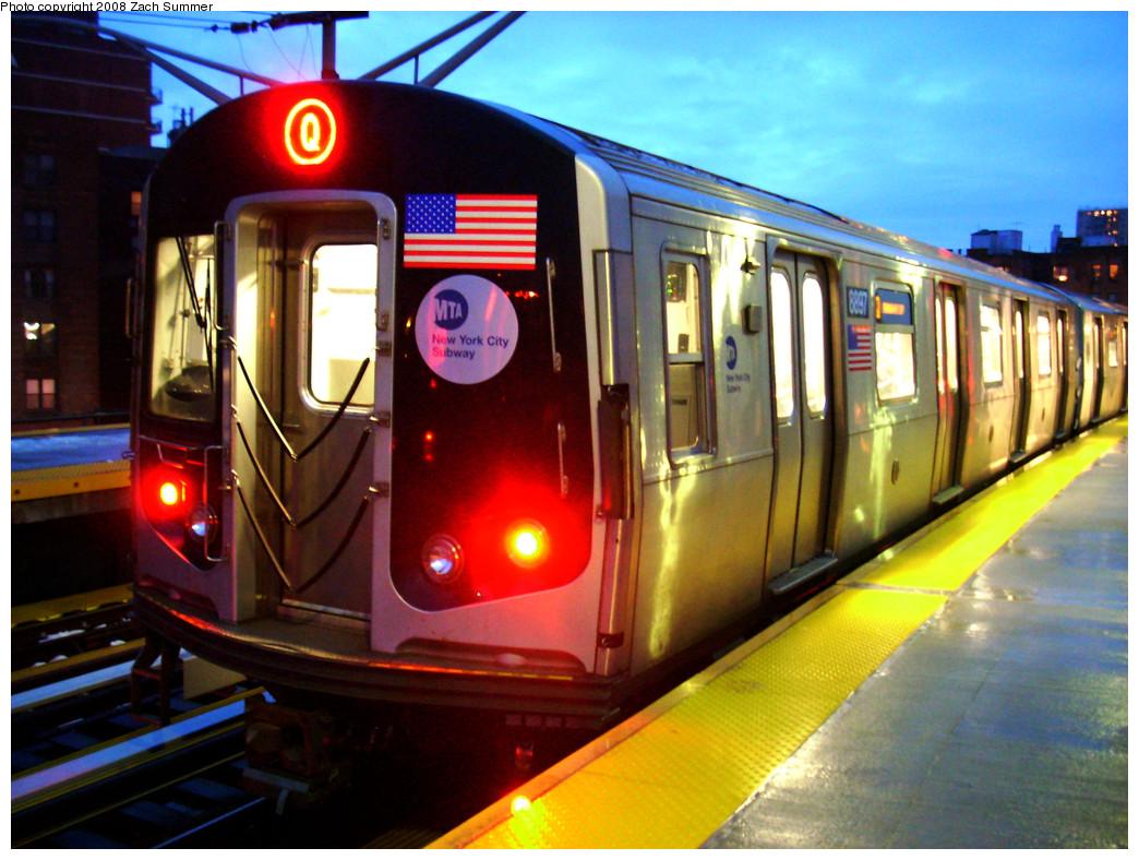(300k, 1044x788)<br><b>Country:</b> United States<br><b>City:</b> New York<br><b>System:</b> New York City Transit<br><b>Line:</b> BMT Brighton Line<br><b>Location:</b> Ocean Parkway <br><b>Route:</b> Q<br><b>Car:</b> R-160B (Kawasaki, 2005-2008)  8897 <br><b>Photo by:</b> Zach Summer<br><b>Date:</b> 12/24/2008<br><b>Viewed (this week/total):</b> 0 / 1840